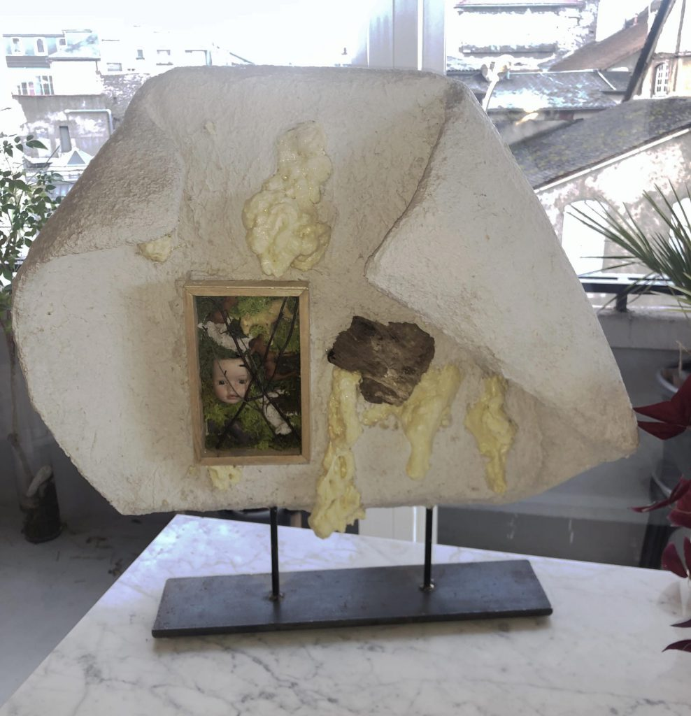 """Sculpture """"covid"""" décembre 2020 60 x 60 cm"""
